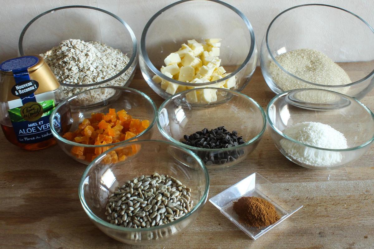 Barres de céréales au muesli, abricots et chocolat