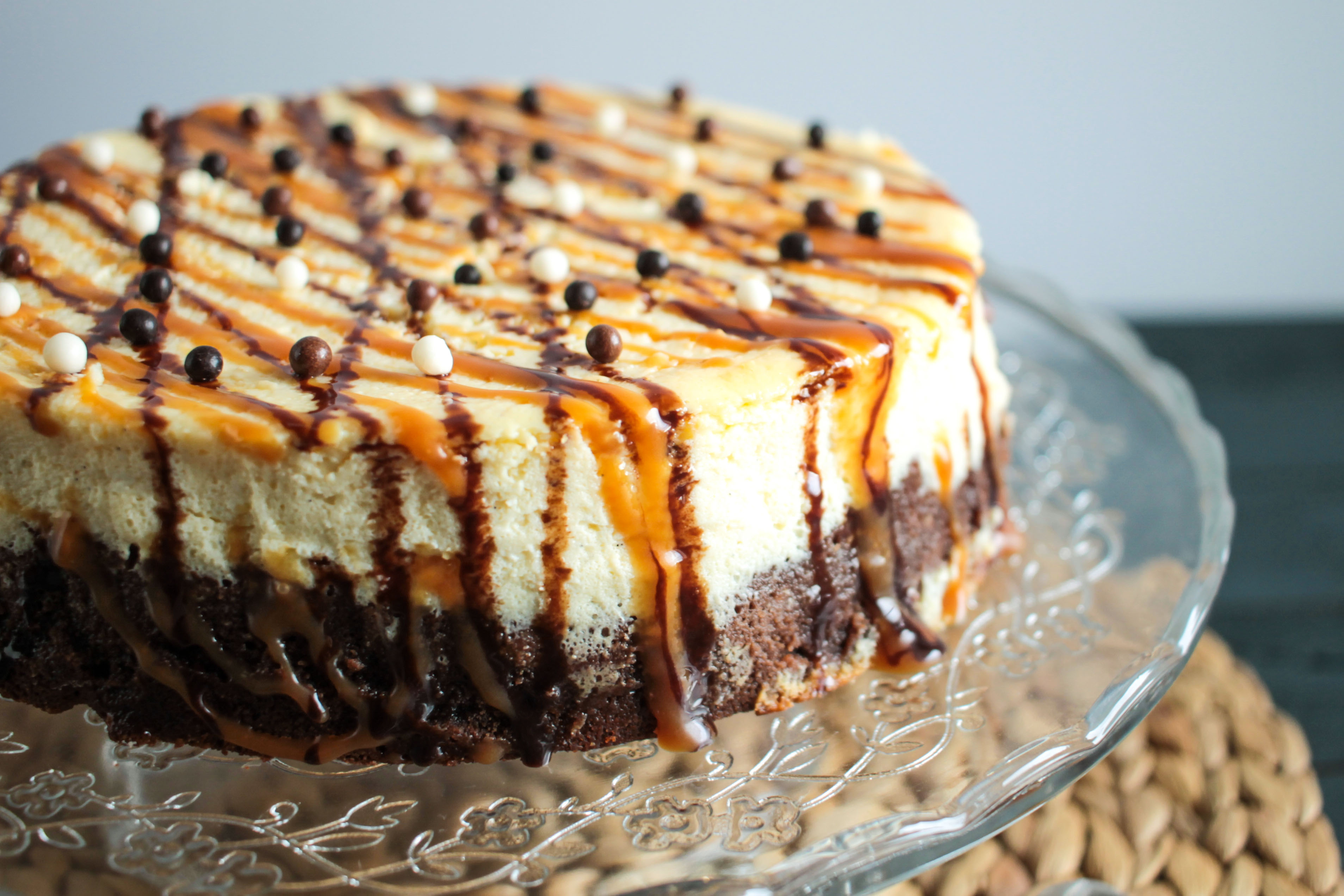 Cheesecake base brownie, caramel au beurre salé et chocolat