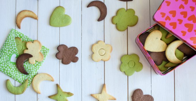 Petits sablés chocolat, pistache, fève de tonka