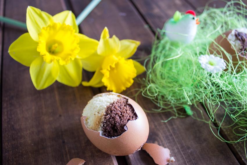 Petits œufs au chocolat et à la vanille