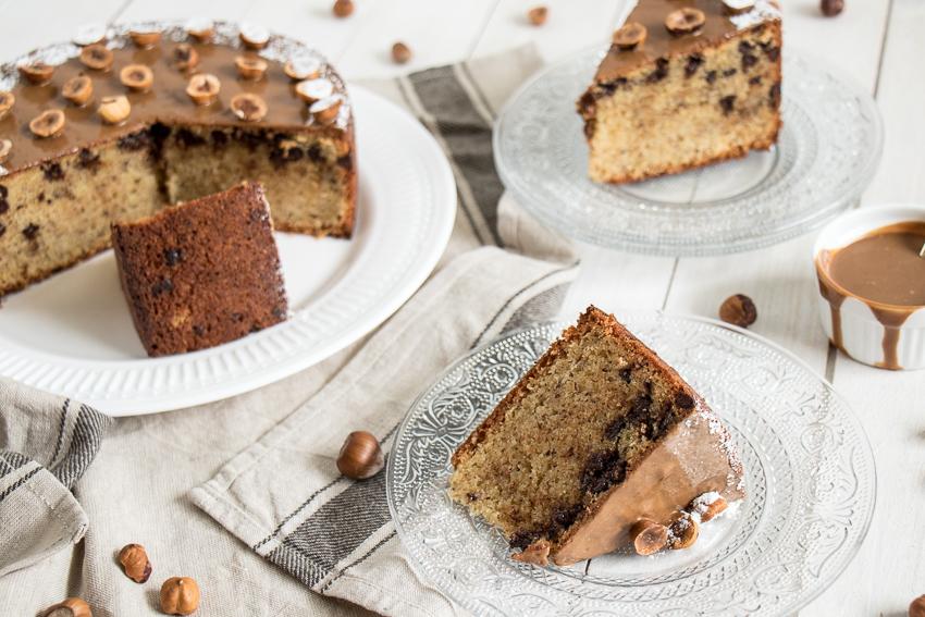 Gâteau aux noisettes et pépites de chocolat