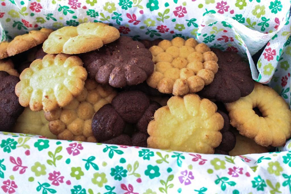 Petits biscuits sablés à la presse à biscuits