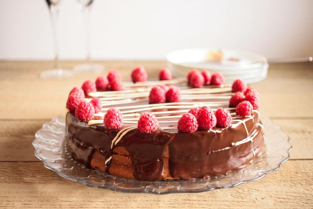 Gâteau d'anniversaire chocolat framboises