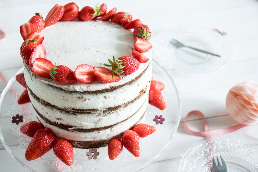 Naked cake fraises pistache