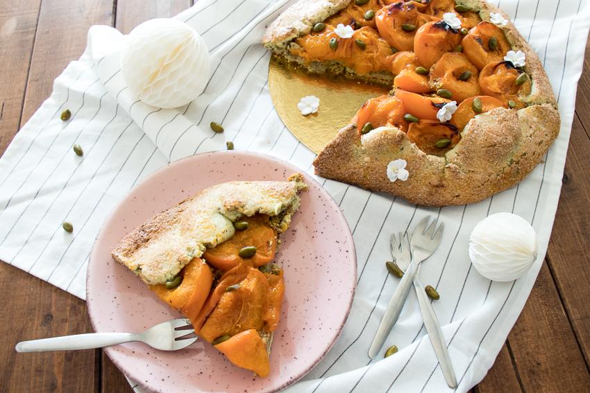 Tarte rustique abricots pistache